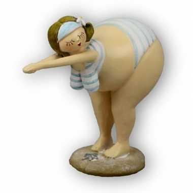 Goedkope beeld duikende dikke dame