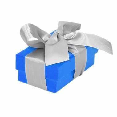 Goedkope blauw cadeaudoosje zilveren strik