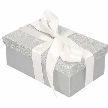Goedkope cadeau gift box zilver glitter wit kadolint
