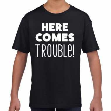 Goedkope here comes trouble tekst t shirt zwart kids