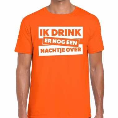 Goedkope ik drink er nog een nachtje over tekst t shirt oranje heren