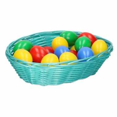 Goedkope mintgroen paasmandje eieren