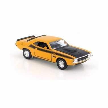 Goedkope modelauto dodge challenger geel :