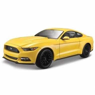 Goedkope modelauto ford mustang gt geel