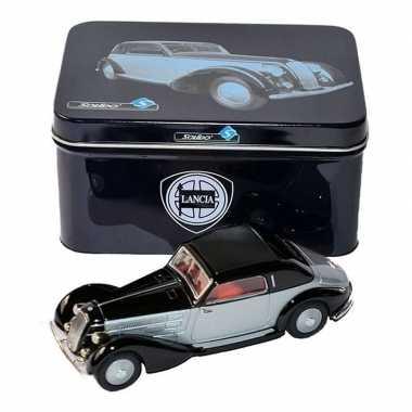 Goedkope modelauto lancia astura zwart/zilver :
