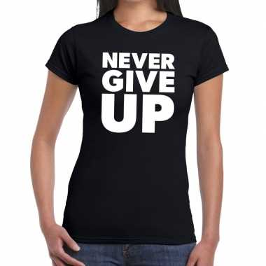 Goedkope never give up tekst t shirt zwart dames
