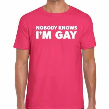 Goedkope nobody knows i am gay gaypride t shirt roze heren