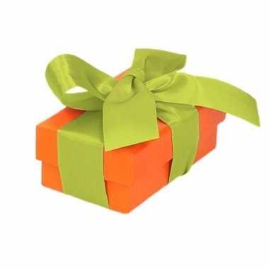 Goedkope oranje cadeaudoosje lichtgroene strik