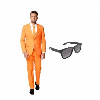 Goedkope oranje heren kostuum maat (m) gratis zonnebril