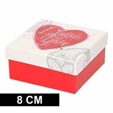 Goedkope rood/wit cadeaudoosje hart vierkant