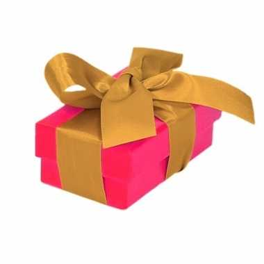 Goedkope roze cadeaudoosje gouden strik