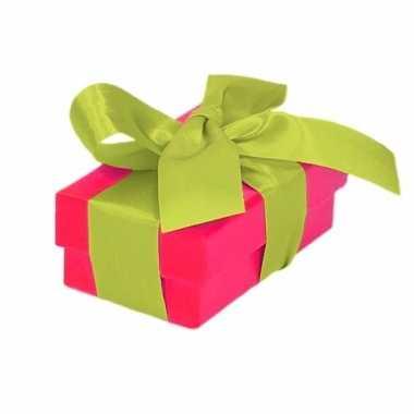 Goedkope roze cadeaudoosje lichtgroene strik