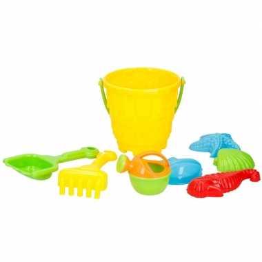 Goedkope strand/zandbak speelgoed gele emmer vormpjes schepjes