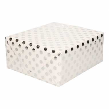 Goedkope wit folie inpakpapier/cadeaupapier zilveren stip
