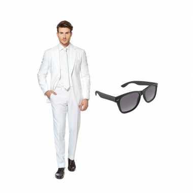 Goedkope wit heren kostuum maat (m) gratis zonnebril