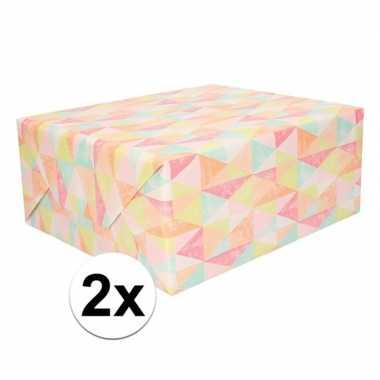 Goedkope x cadeaupapier pastel driehoeken rol