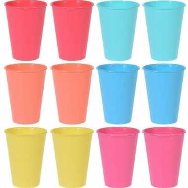 Goedkope x gekleurde drinkbekers/mokken kunststof