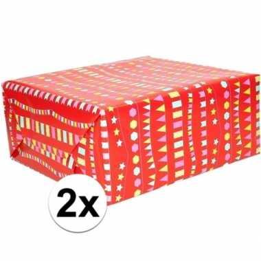 Goedkope x inpakpapier/cadeaupapier rood vlaggenlijn rol