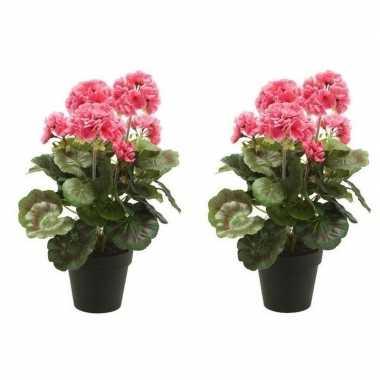 Goedkope x kunstplanten geranium roze zwarte pot