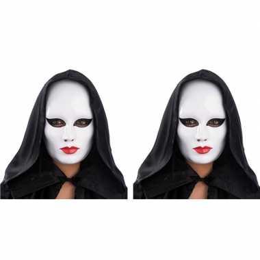 Goedkope x witte gezichtsmaskers rode lippen