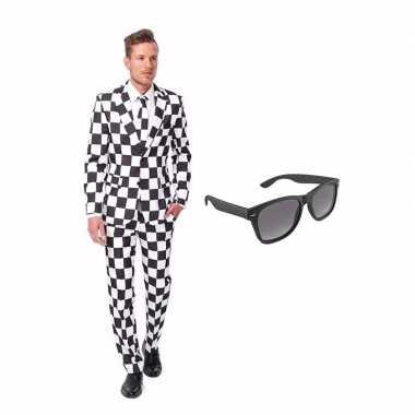 Goedkope zwart/wit geblokt heren kostuum maat (l) gratis zonnebril
