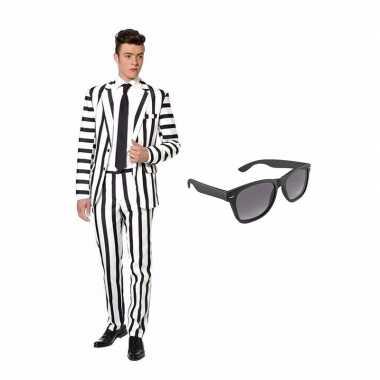 Goedkope zwart/wit gestreept kostuum maat (l) gratis zonnebril