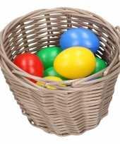 Goedkope bruin paasmandje gekleurde eieren
