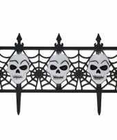 Goedkope halloween decoratie hekje schedels