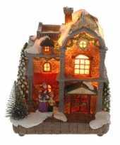 Goedkope kersthuisje vrouw kind verlichting