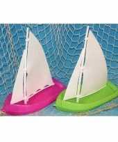 Goedkope speelgoed badspeeltje zeilboot groen