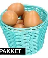 Goedkope turquoise paasmandje eieren naturel