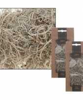 Goedkope x kerststukje maken onderdelen wit grijs krullend mos gram