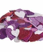 Goedkope x zelfklevende hobby knutsel foam rubber hartjes glitters